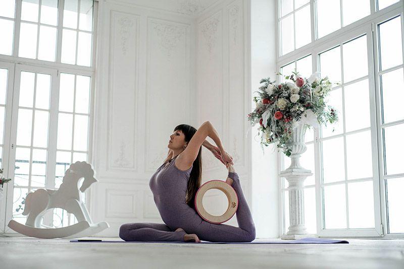 Йогин - асана с йога-колесом