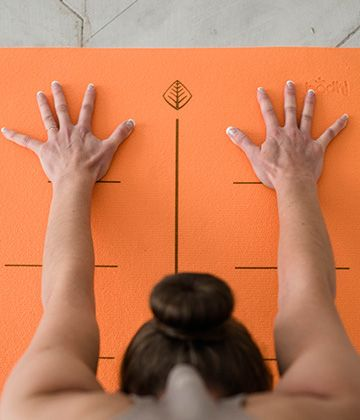 Rishikesh Align - цепкий коврик для йоги с принтом для точной отстройки асан